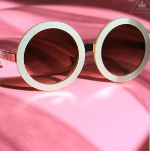 Wildfox Accessories - 🌻{Wildfox}🌻Malibu Sunglasses